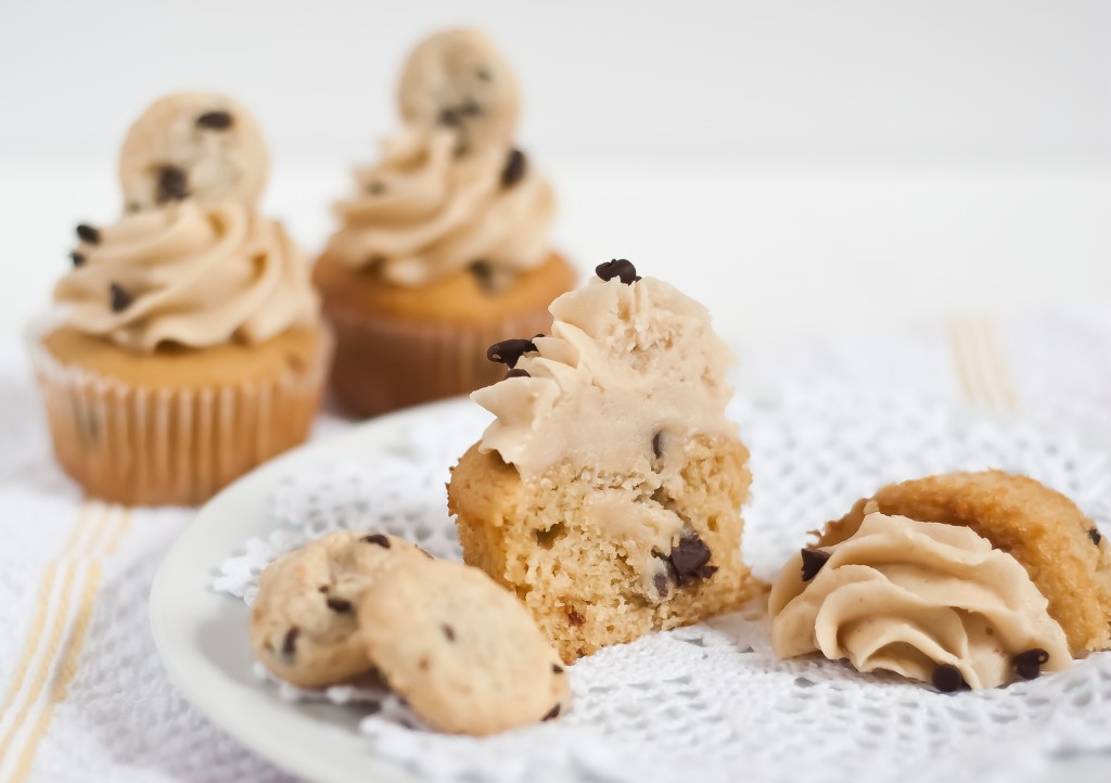 Pics Photos - Chocolate Chip Cookie Dough Cupcakes