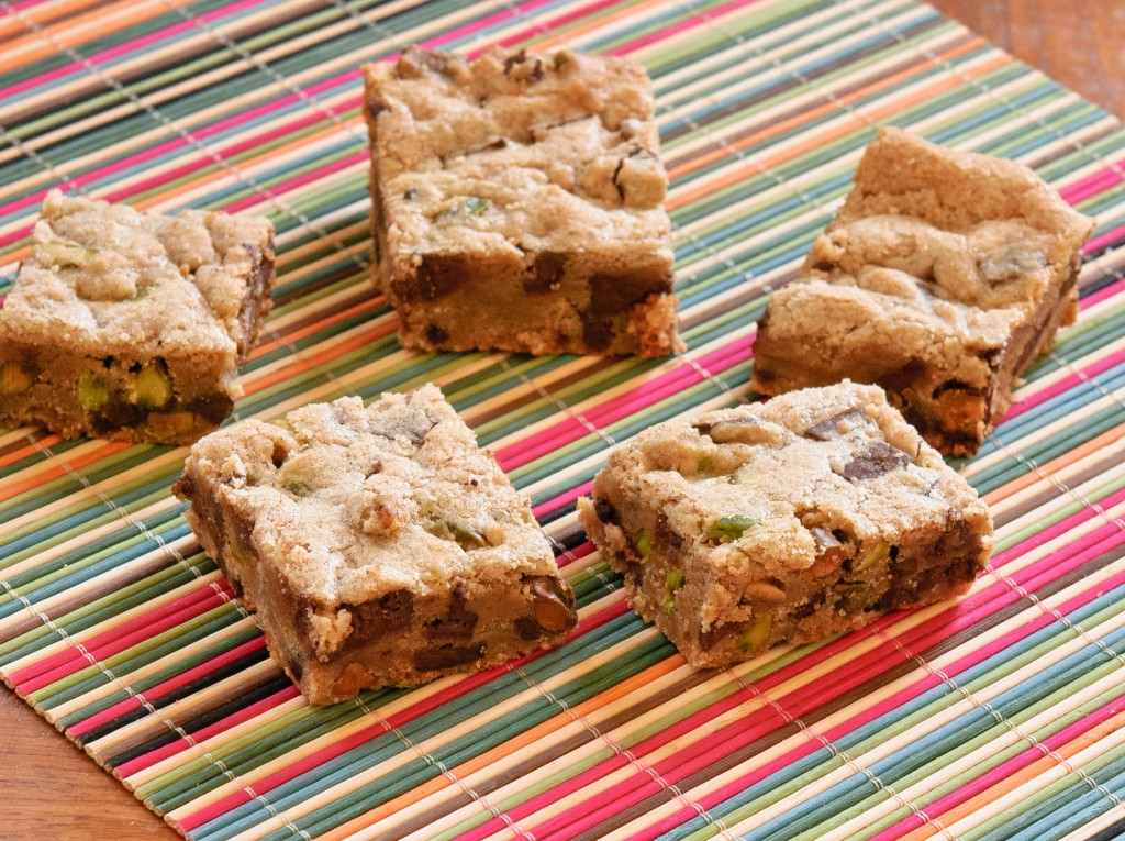 pistachioblondies-1